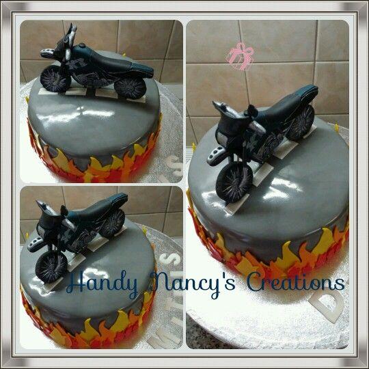 Motorcycle fondant cake