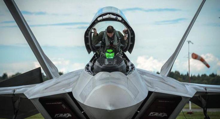 Why the F-22 Raptor Is Such a Badass Plane