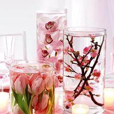 Arranjo com flores submersas