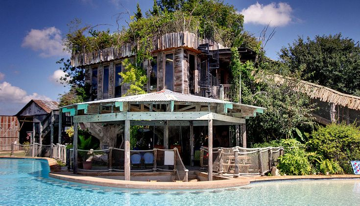 Guadalupe river houses vacation rentals in new braunfels for Floating the guadalupe river cabins