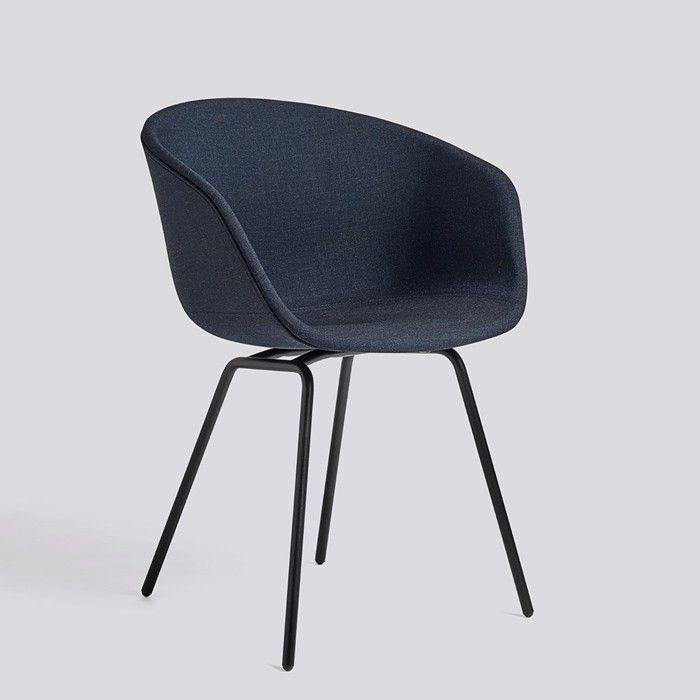 Hay About A Chair AAC27 Stuhl, Gepolsterter Stuhlsessel mit Kvadrat Stoffbezug. About A Chair AAC27 Stuhl von Hay hier online kaufen!
