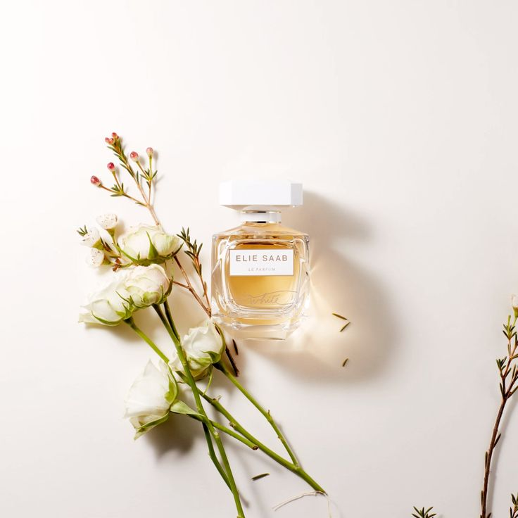 Le Parfum In Weiß   – Le Parfum In White (Protected)