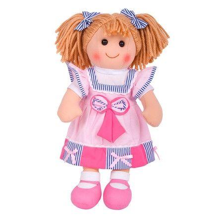 Stoffen pop Georgie 38 cm  Maak kennis met Georgie - een vrolijke en kleurrijke, traditionele pop. Georgie draagt een outfit van hoge kwaliteit in een mooi roze ontwerp, en zal vast een goede vriendin van uw kind worden.   Ideaal te combineren met onze poppenwagens, poppenbedjes en poppenstoelen.  Bigjigs poppen zijn leverbaar in 3 verschillende hoogtes - 28 cm, 35 cm en 38 cm. Alle poppen inspireren tot het spelen van rollenspellen.