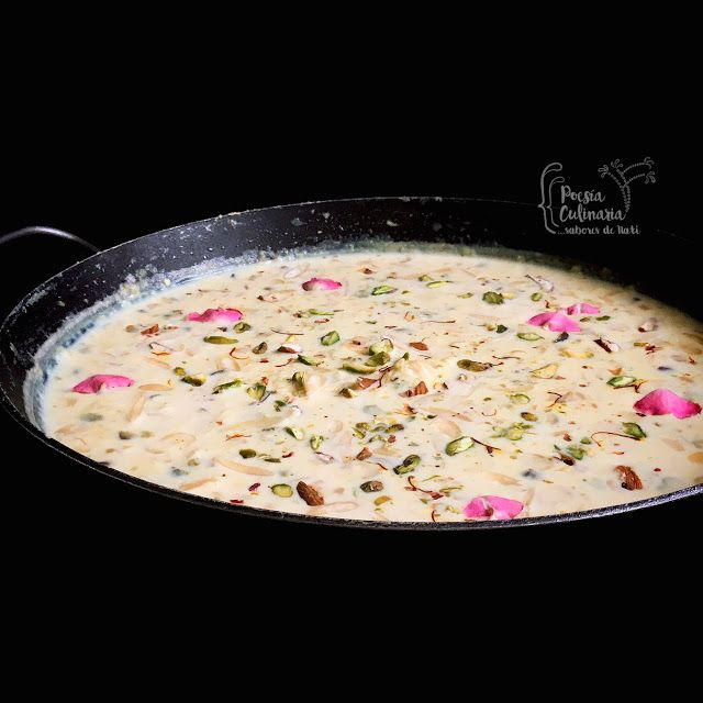 Paladares {Sabores de nati }: Rabri, un postre mágico de la india... #Rābaḍī #Rabdi #Laccharabri #indiansweet #indianfood #India #postre #recetasdepostres #HoliFestival #Holi #Rabri #cocinadelmundo #leche #almendras #pistachos #cardamomo #azafrán