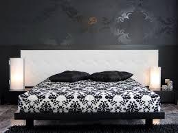 Znalezione obrazy dla zapytania sypialnia czarno-biała