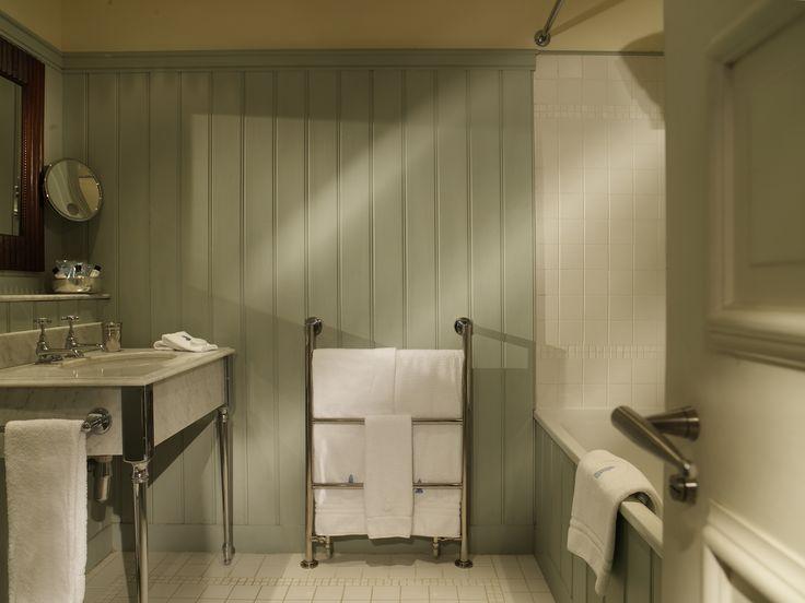 Hotel Tresanton, panelled bathroom
