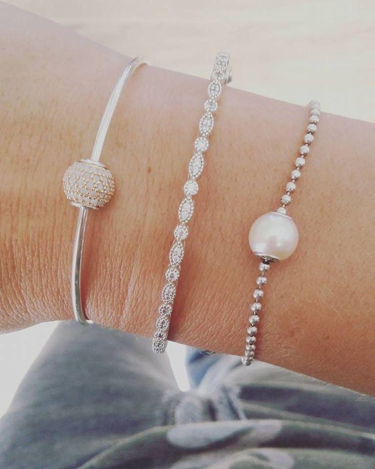 Pandora Essence. Timeless Elegance Bangle. Essence Pearl.