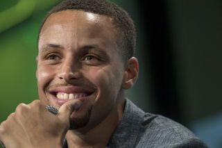 Steph Curry Scores Richest Deal in NBA History With $200,000,000 Contract