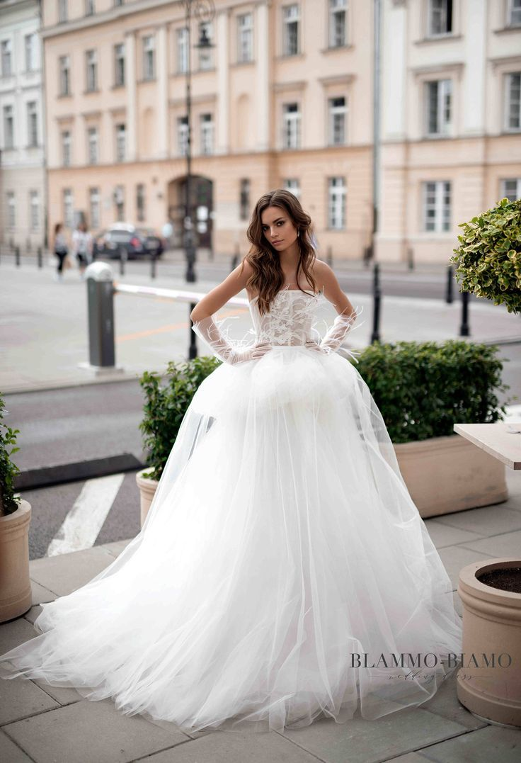 23 best Салоны images on Pinterest | Short wedding gowns, Wedding ...