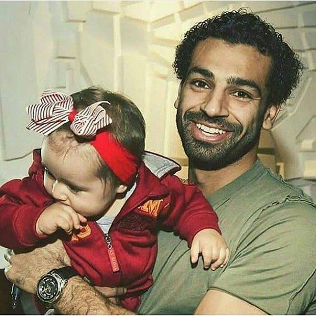 بو صلاح وبنته مكه اللي بيحبه يدوووس لاييك Mohamed Salah Salah Mo Salah