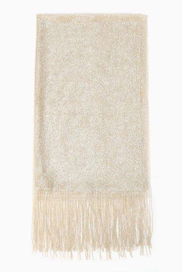 シャイニーショール2016  シャイニーショール2016 3024 輝く素材を使用したストール 普段のコーディネートのPOINTにはもちろん広げてワンピースやドレスの羽織としてもお使いいただけパーティや結婚式にも活躍してくれる一枚です