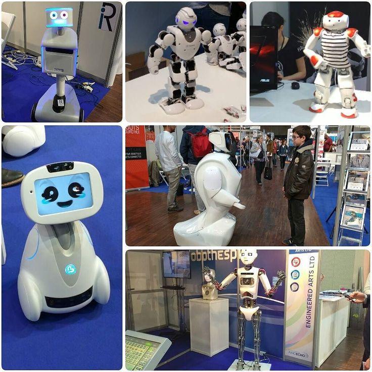 Aujourd'hui nous sommes allés au salon #Innorobo ! J'ai vu des robots des robots et encore des robots Comment vous dire ? J'étais au paradis ! (Pour ceux qui n'auraient pas suivi mes recherches en Master ont porté sur les robots dans l'art) Nous avons croisé les stars du domaine : Nao et Pepper bien sûr mais aussi Buddy Poppy ou Alpha et Alpha 1S. Nous avons vu des robots poissons des robots très rapides des drones des robots médicaux prothèses... et même des nettoyeurs de barbecue Oo…