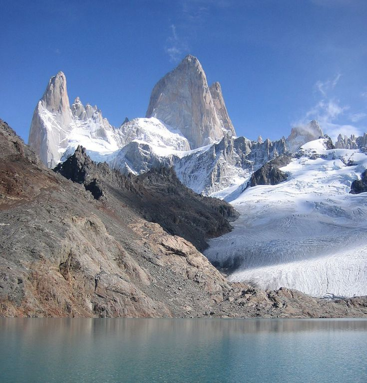 Are you a #trekking? The #Chalten, known as the national capital of Argentine trekking, is located in the middle of a spectacular adean #landscape and it is possible to undertake from short #walks to venture to #expeditions of several days. Its greatest #challenge is #MountFitzRoy, which attracts #climbers from all over the world. Is the #adventure encouraging? Contact us to organize your journey to measure!