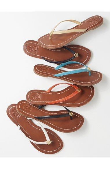 9d6f2c330b238f Tory Burch flip flop! On trend for SUmemr 2018  ad  tory  summer  flipflops   casual