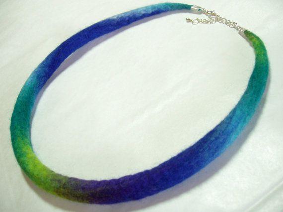 Collar, collar de fieltro, fieltro, collar de fieltro azul/verde/turquesa, hecho a mano, gargantilla, joyas de lana, 55cm/22 pulgadas