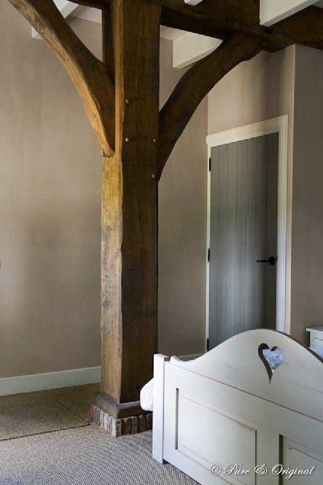 Mit Kreidefarbe gestrichene Tür