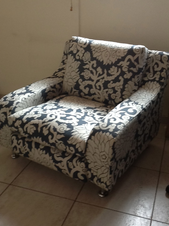 Un sof viejo retapizado mi oficina dream home - Precio de tapizar un sofa ...