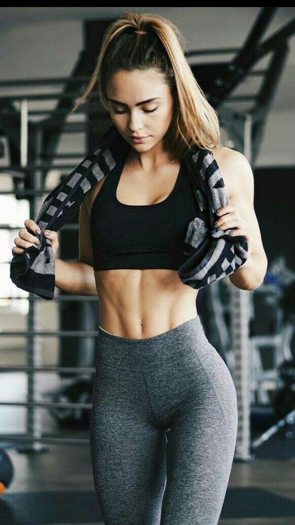 Yoga pants girls Instagram models | Shorts and Leggings ...