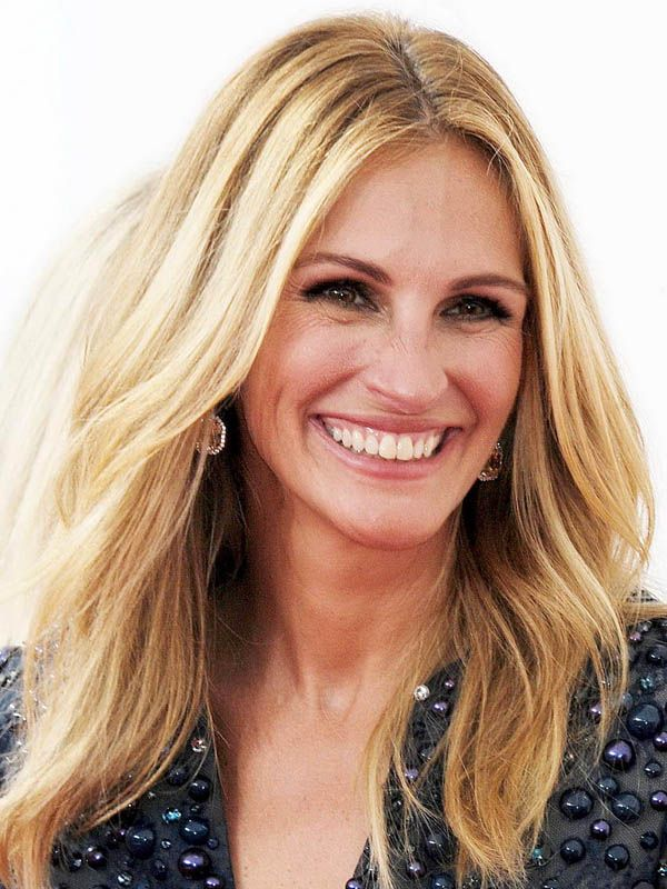 Julia Roberts at the 2014 Emmy Awards: http://beautyeditor.ca/2014/08/27/emmy-awards-2014/
