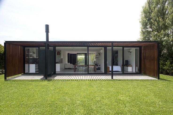 Image 1 of 28 from gallery of House 2LH / Luciano Kruk. Courtesy of Luciano Kruk