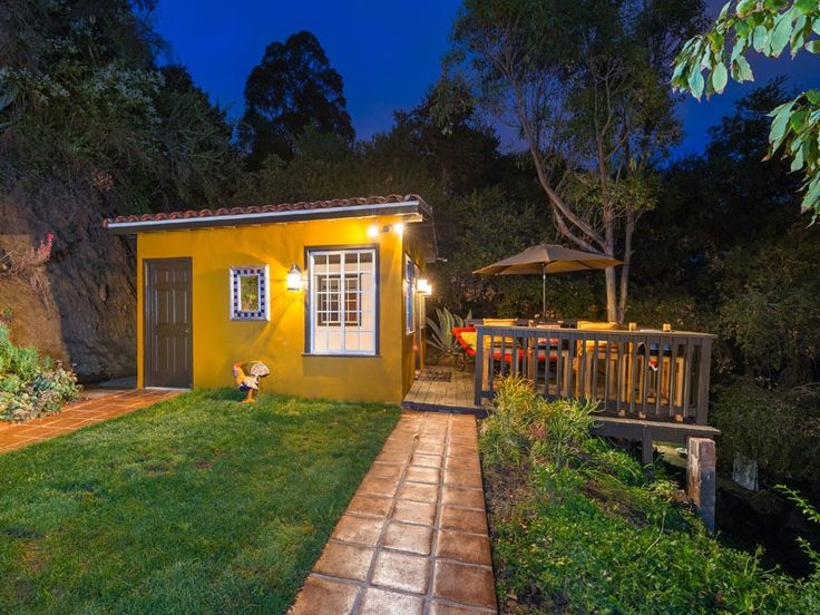 17 best images about tiny house on pinterest tiny house for Los angeles holiday rental
