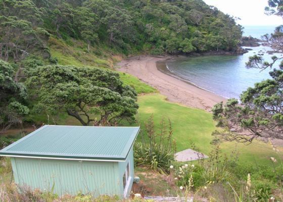 Whananaki Cosy Seaside Cabin in Whananaki North, Whananaki | Bookabach