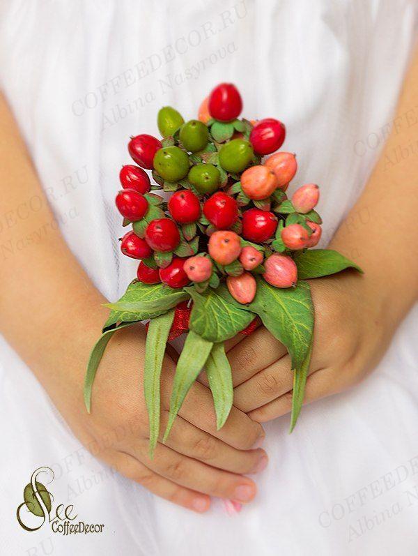 Цветы из фоамиарана гиперикум