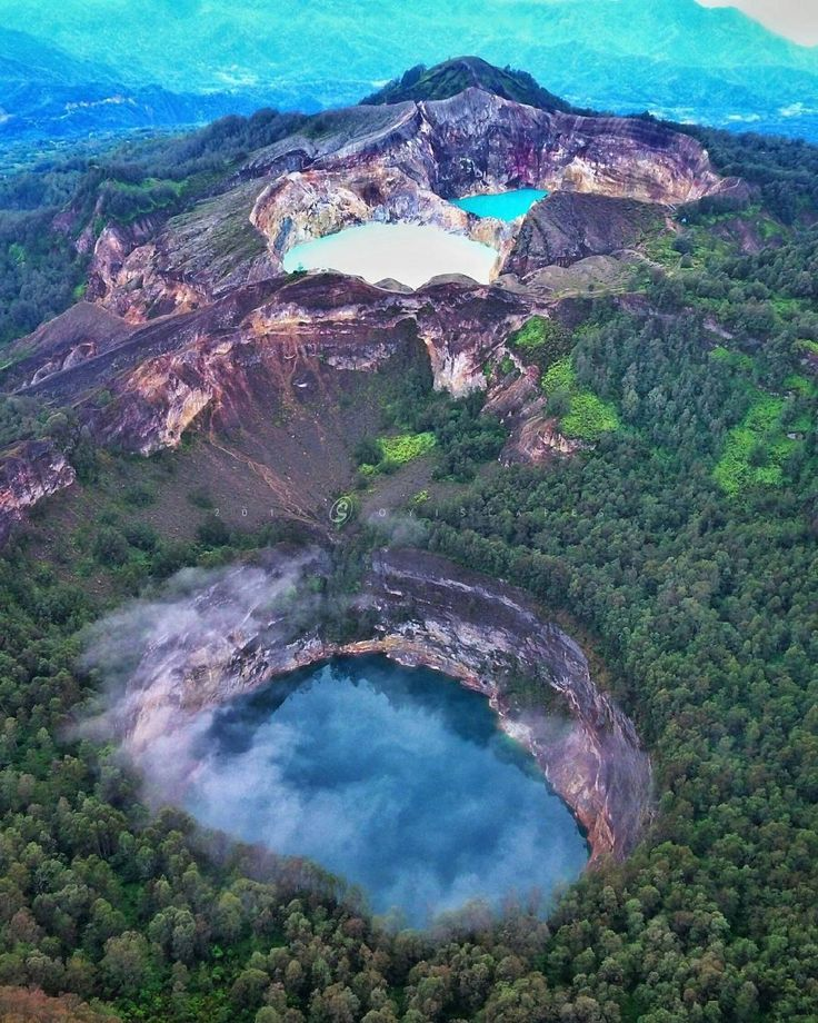 Kelimutu National Park, a perfect place for nature lovers in East Nusa Tenggara, #Indonesia Photo by: IG @oyi_k