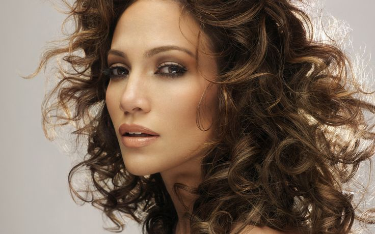 cabelo ondulado jennifer lopez: Jennifer Lopez, Black Magic, Makeup Tips, New Hair Color, Caramel Hair, Hair Makeup, Wavy Hairstyles, The Blocks, Jenniferlopez
