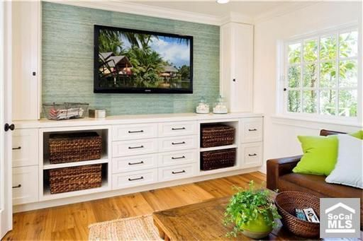 TV area with a coastal vibe