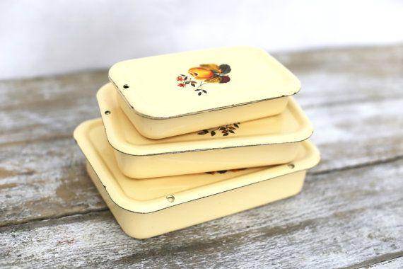 3 epoca smalto giallo nidificato scatole con fiore progettazione scatole di pranzo - Set di 3 scatole di pranzo sovietico dello smalto dell