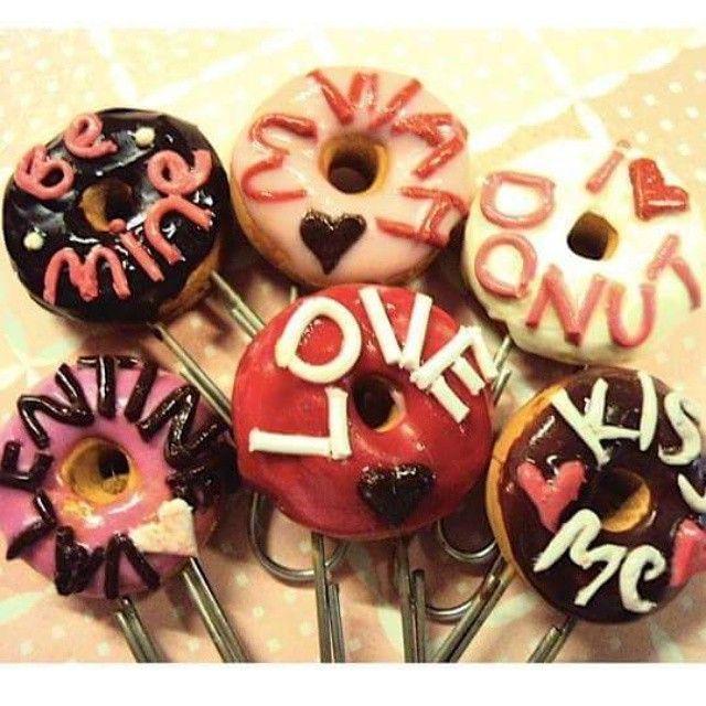 Happy Valentines Day #SmallIdea #MiniatureArt #MiniatureFood #PolymerClay #PaperClips #Donuts