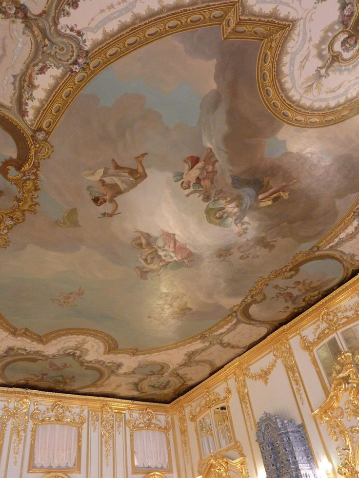 Tsarskoye Selo St Petersburg Russia  Catherine palace...courtesy of  a great Tumblr blog-Rococo Revisited