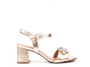 Sandálias em pele metalizada dourada 79.9