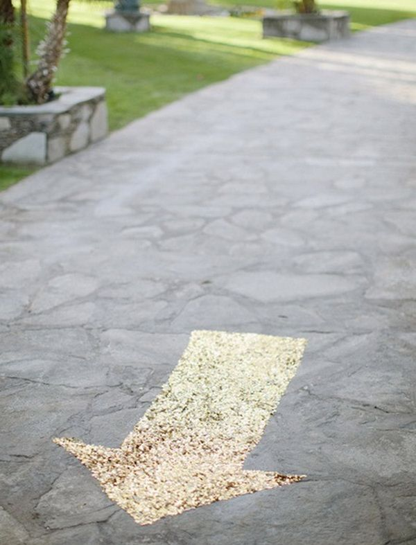 Glittery direction signs to point to your ceremony. I love this!