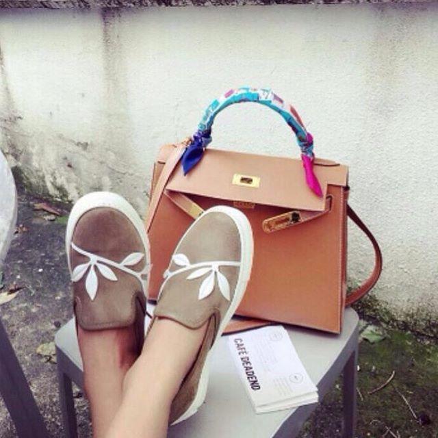 22 отметок «Нравится», 1 комментариев — Дизайнерская обувь Rokoko (@footwear_rokoko) в Instagram: «Качество ЛЮКС❗️ Слипоны Ткань : замша бежевая  Цена ОПТ 2500 р  Цена ОПТ коробом 2350₽ ( в коробе -…»