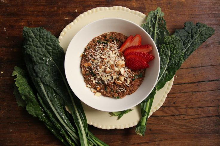 This Kale and Cacao Quinoa Porridge is the perfect recipe to squeeze some extra greens into your day.