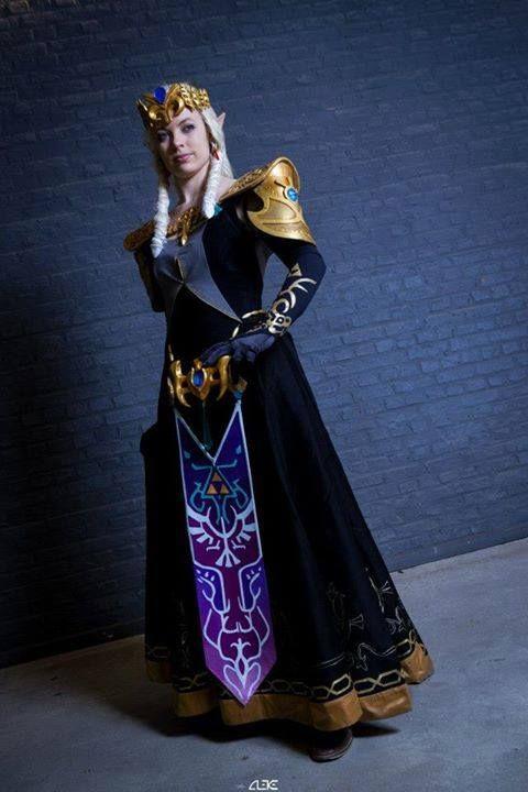 Dark Princess Zelda cosplay (Smash Bros alternate costume ...