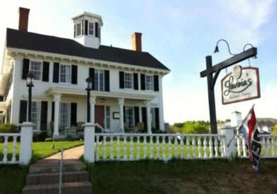 Lavinia's Relaxed Dining, Center Harbor, NH  ~  Lovely!