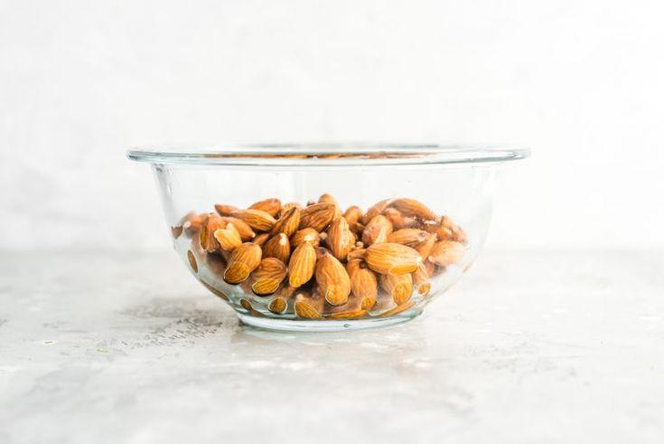 Wie man Mandelmilch macht – Erfahren Sie, wie man cremige Mandelmilch auf pflanzlicher Basis …   – Milk almond etc