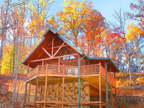 An amazing cabin rental in gatlinburg tennessee soooooo for Cabin in gatlinburg with hot tub