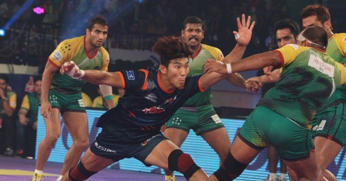 Kolkata: Bengal Warriors made a spectacular comeback in the final 90 seconds to upset two-time former champions Patna Pirates 41-38 for a rousing start to their home campaign in the Pro-Kabaddi League at the Netaji Indoor Stadium on Friday. Maninder Singh (13) was the toast of Warriors'...