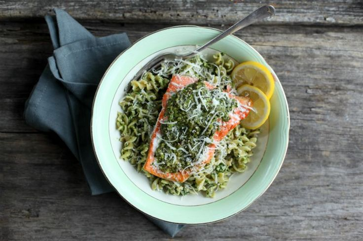Baked Salmon with Spinach and Basil Pesto Pasta Recipe