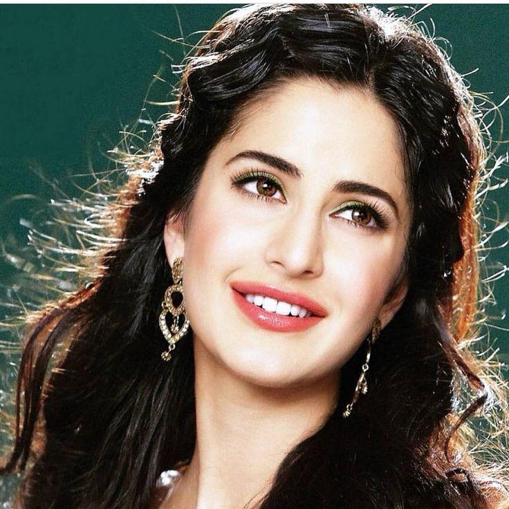 """""""Refreshingly beautiful Katrina Kaif :) @Bollywood """""""