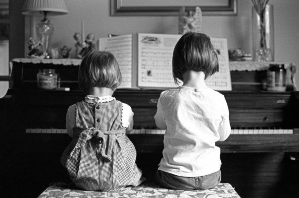 music: Little Girls, Sisters, Childhood Memories, The Piano, Houses Music, Photo, Piano Lessons, Plays Piano, Piano Players