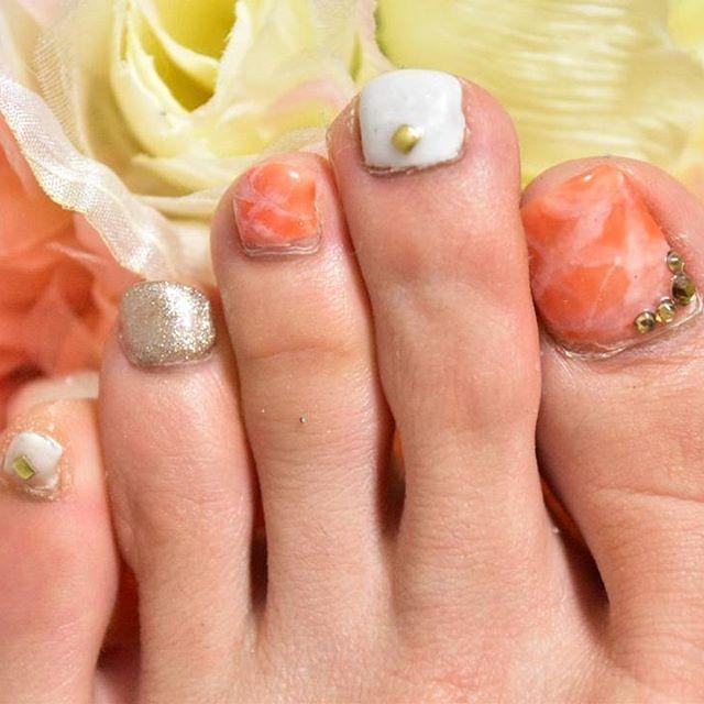 #大理石ネイル #ネイル #セルフネイル #nail #selfnail #コーラルオレンジ #ゴールド #ホワイト #white #gold #coralorange #coralorangenails #大理石風 #セルフネイル部 #ジェルネイル