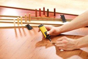 Ein Reparaturset für Holzböden und Möbeloberflächen. Foto: Pearl