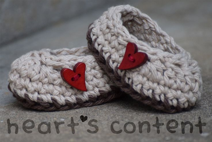 Adorable baby booties / baby shoes adorned with red heart wood buttons. Cotton crochet baby booties. A super cute baby gift ☺ For 30% off use promo code HCPIN201630
