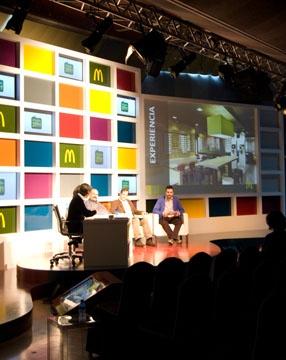 Escenograf a para evento de mcdonald 39 s de 2010 stage for Oficinas mcdonalds madrid