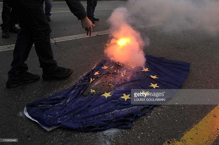 Ne-am săturat să ne tot bage Europa pe gât ba imigranți musulmani, de care nu e în stare nici ea ...